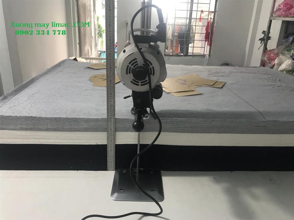 xưởng cắt áo thun limac